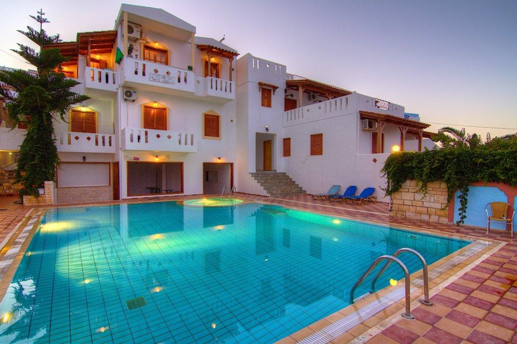 Adonis Hotel In Agia Galini